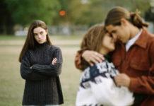 Bi kịch tình tay 3 giữa vợ chồng hờ và gã bạn làm chung